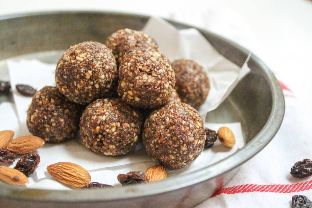 cinnamon raisin almond energy balls