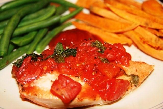 Tomato, Basil & Garlic Chicken - fANNEtastic food | Registered ...
