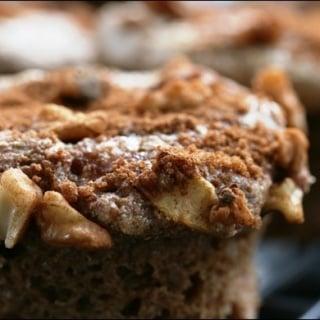 Apple Walnut Crunch Spelt Muffins