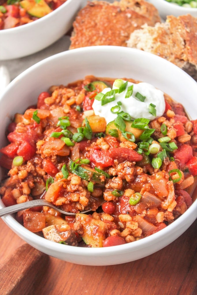 Turkey, Veggie, & Barley Chili - the perfect hearty and filling weeknight meal from Registered Dietitian Anne Mauney of fannetasticfood.com