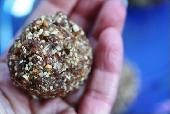 Peanut Cinnamon Date Balls recipe