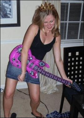 anne_guitar_001