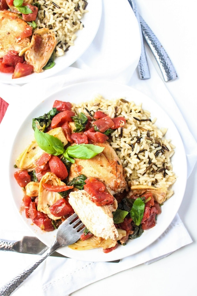 Saucy Tomato & Artichoke Chicken - healthy, easy 15 minute dinner recipe from @fannetasticfood
