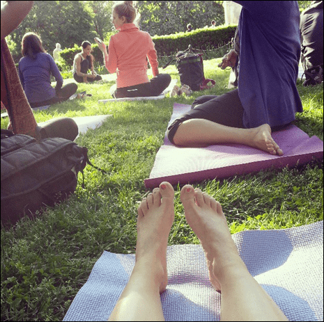 outdoor_yoga_in_dupont_circle
