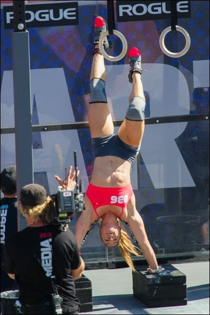 crossfit games 2013 deficit handstand pushups