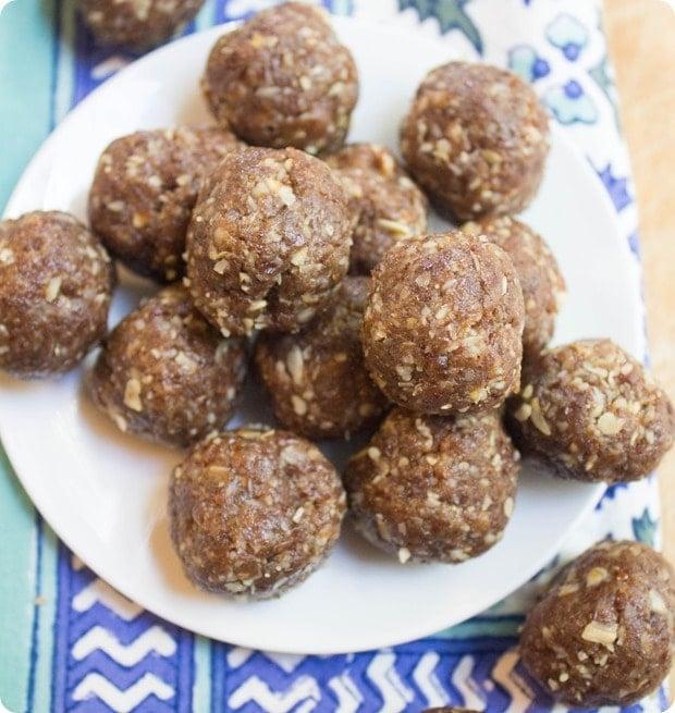 oatmeal raisin energy balls-001