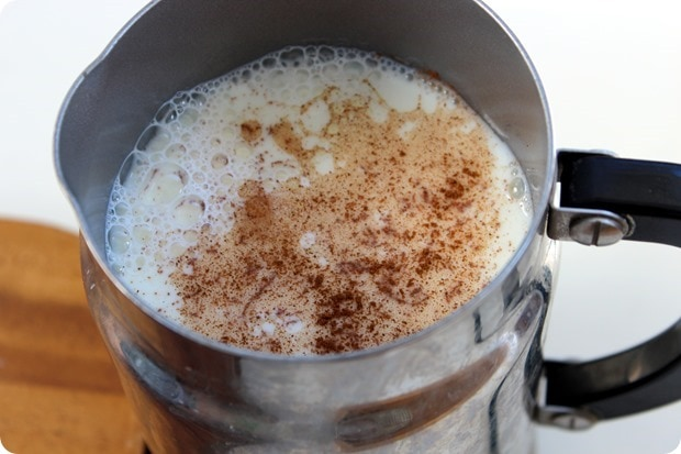 how to make a homemade maple syrup latte