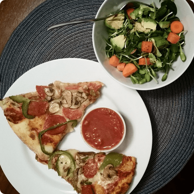 pizza_with_salad