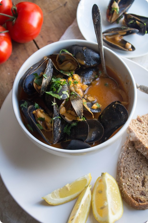 creamy tomato mussels soup