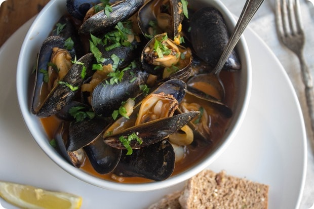 mussels in creamy tomato broth