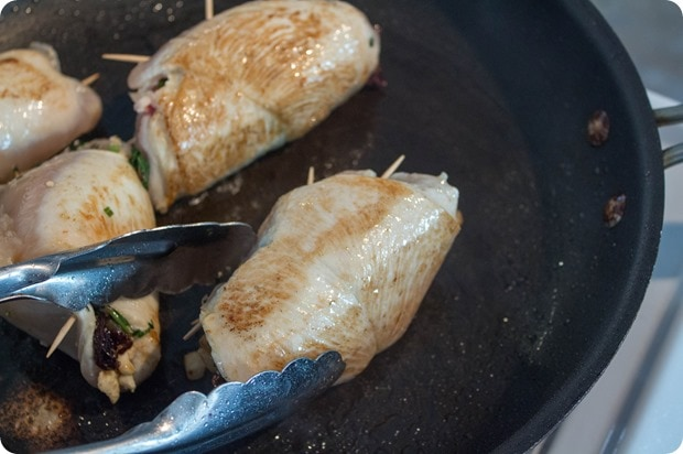 how to cook stuffed chicken