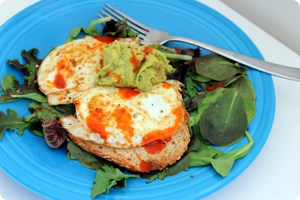 healthy fast breakfast with eggs