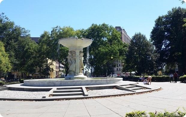 dupont circle summertime fountain