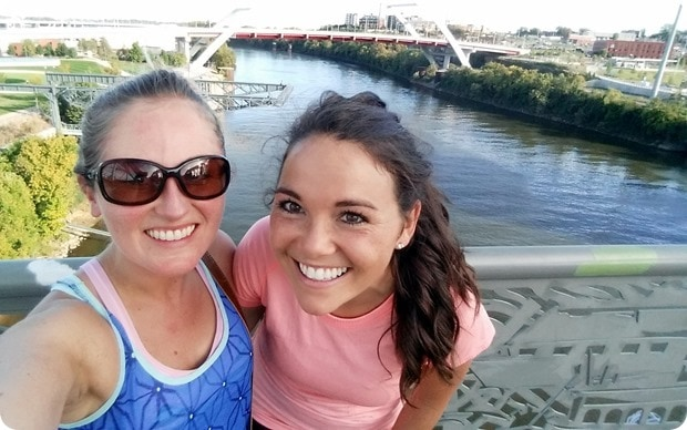 nashville pedestrian bridge walk
