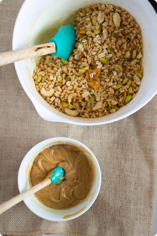 ingredients for puffed rice granola bars in 2 bowls