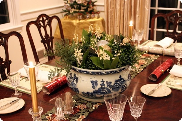 christmas dinner tablescape