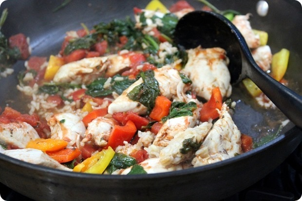 easy healthy chicken tomato spinach dinner