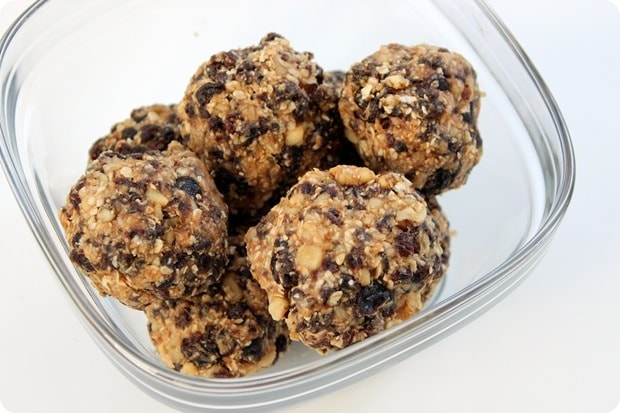 oatmel raisin energy bites