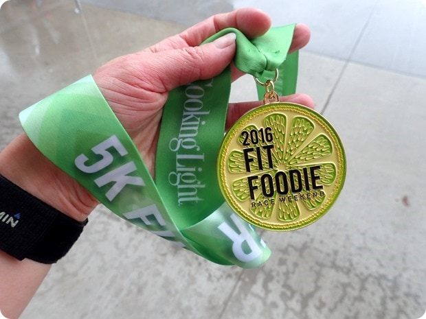 fit foodie race medal