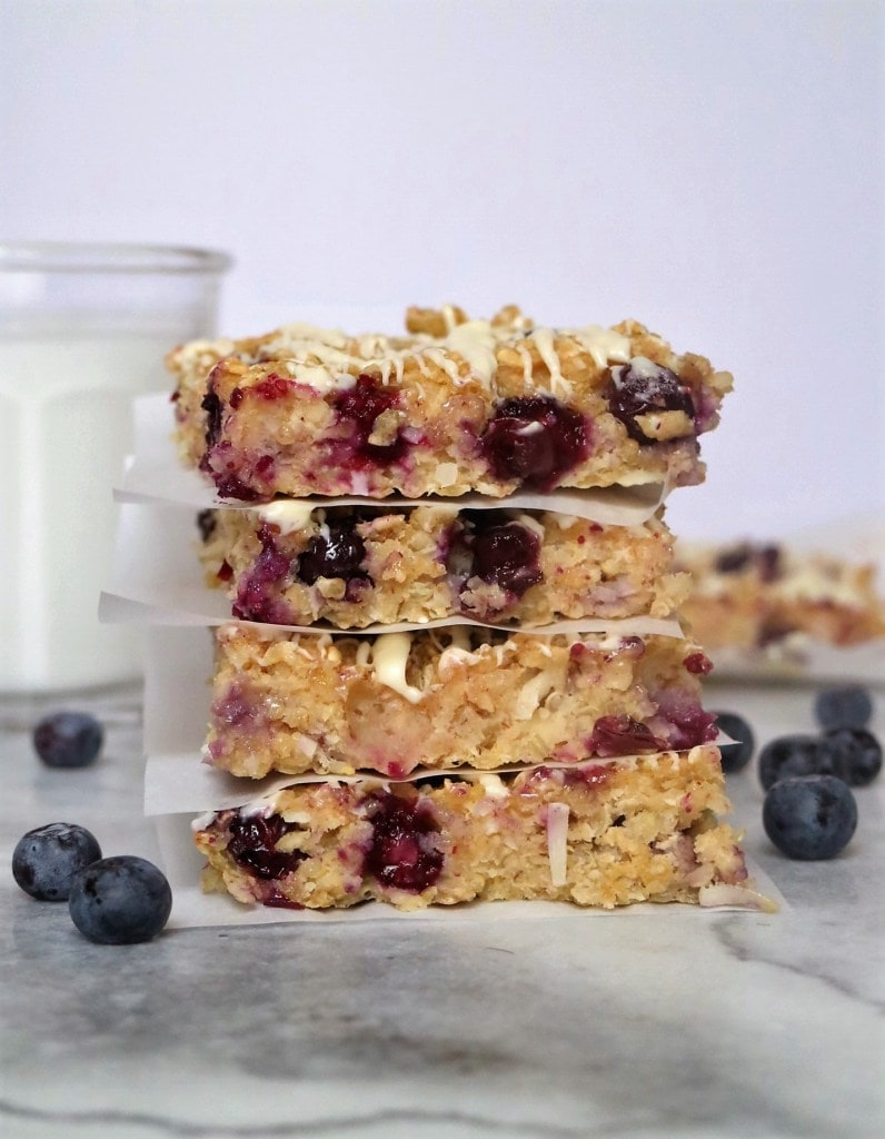 lemon-blueberry-quinoa-breakfast-bars