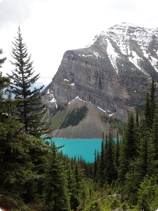 lake louise hiking view