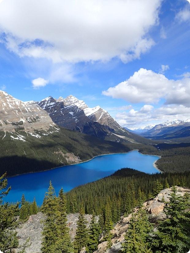 most beautiful lake in canada