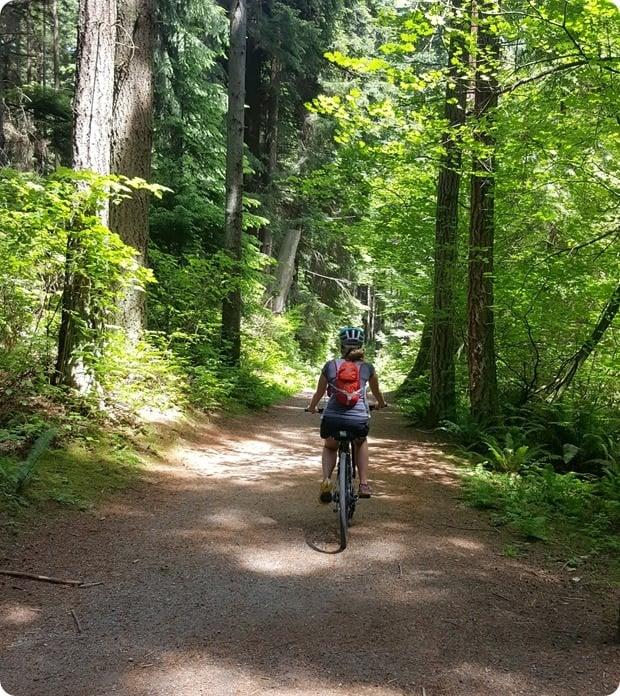 biking stanley park vancouver trails