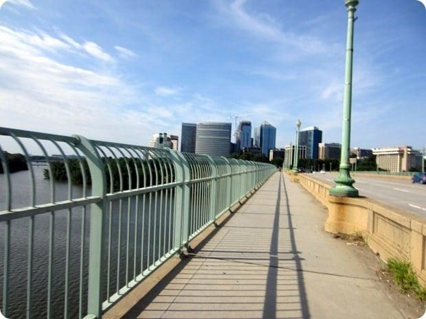 running rosslyn key bridge