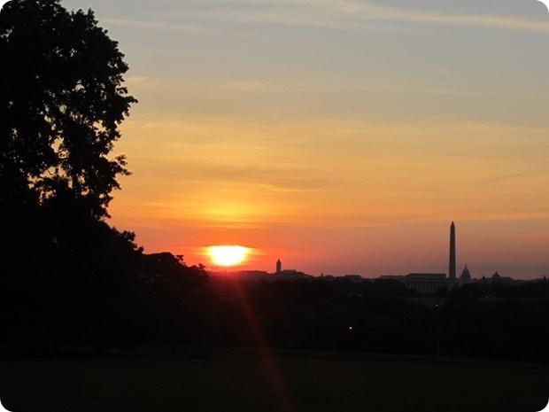 washington monument sunrise