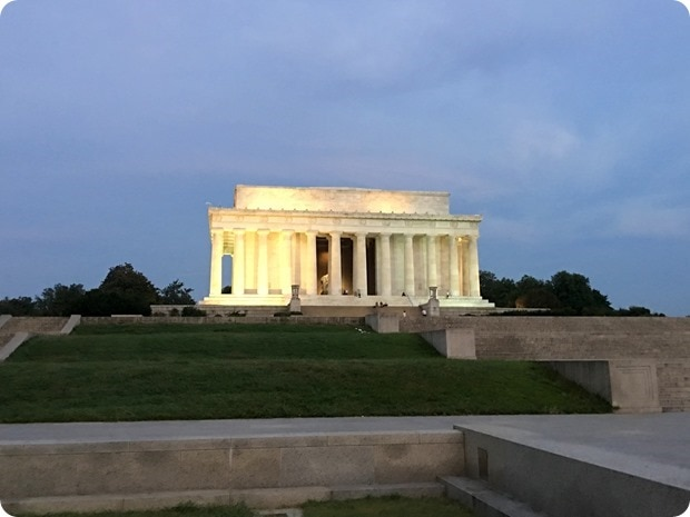 lincoln memorial early morning run view