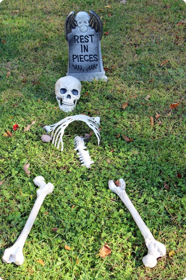 halloween front yard graveyard