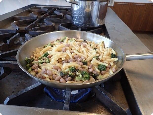 lorenzo boni cooking pasta