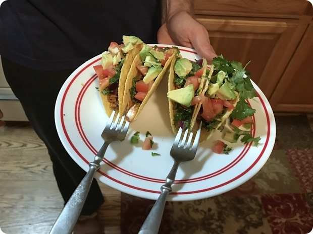 how to keep tacos upright