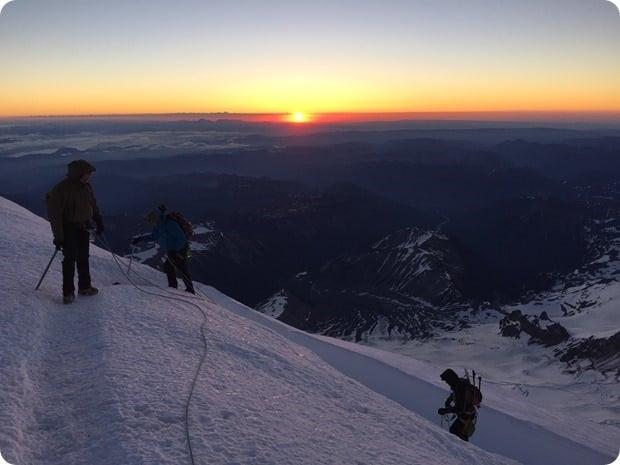 sunrise on mt rainier summit hike