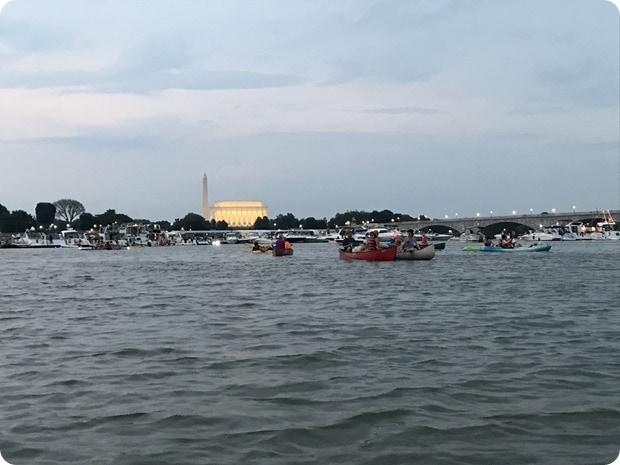 4th of july fireworks kayak dc