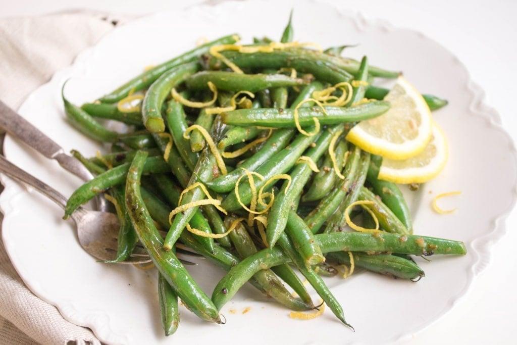 how to love veggies - lemon garlic string beans