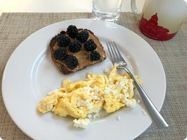 toast scrambled eggs