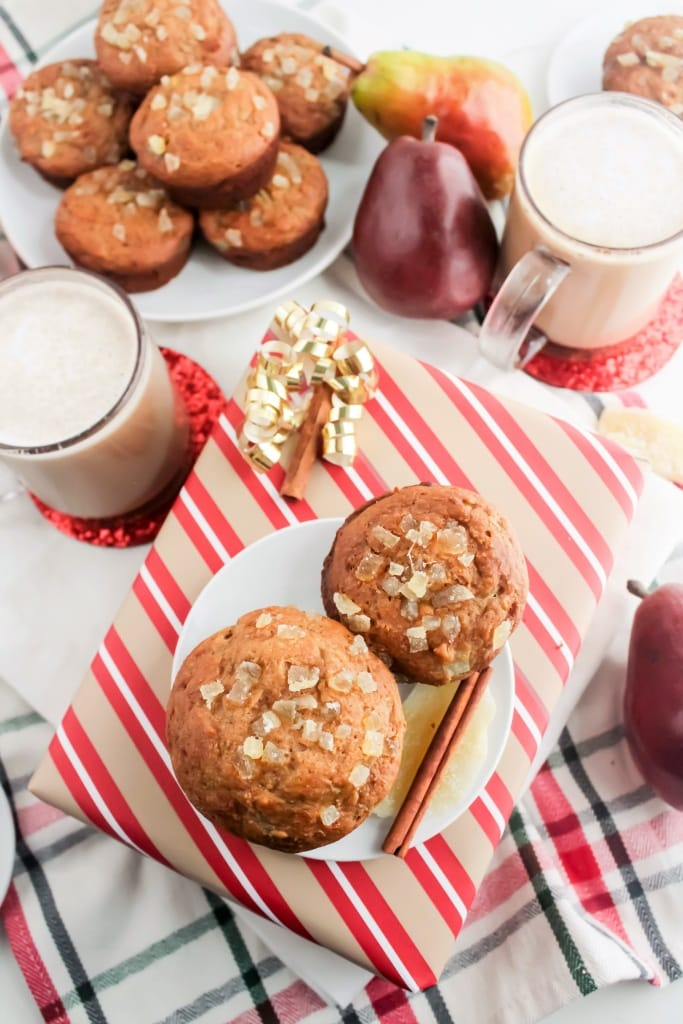Pear ginger & Honey Muffins - 100% whole wheat, refined sugar free, healthy muffin recipe from @fannetasticfood