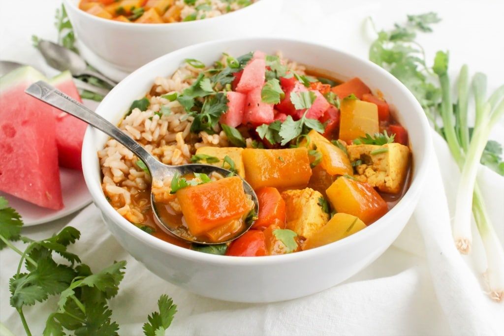 Watermelon Rind Curry - quick, easy, and healthy one-pot dinner from @fannetasticfood