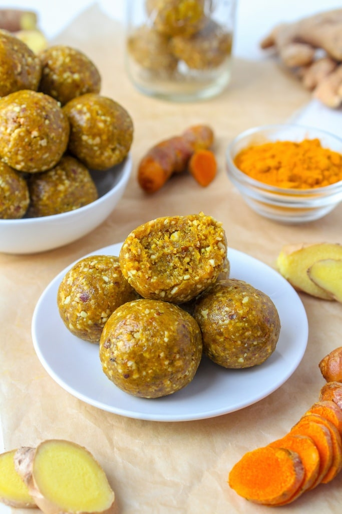 "Turmeric Ginger Energy Bites - an easy, energizing make-ahead snack to ward off ""hangry stress""! via @fannetasticfood"