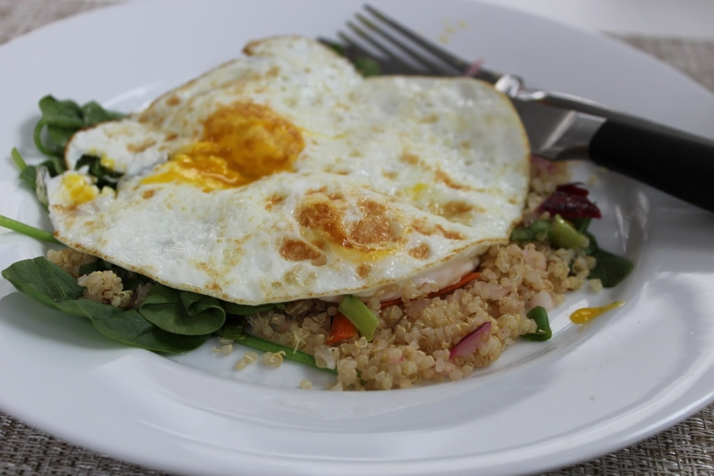 quinoa with fried eggs