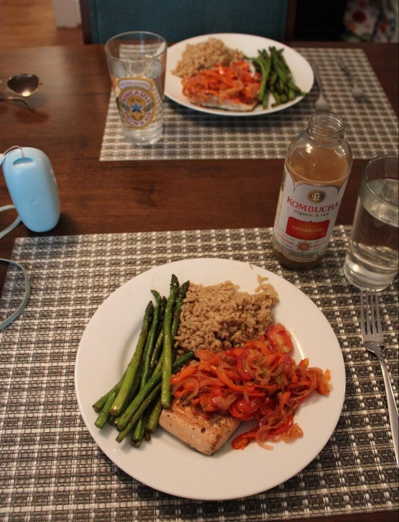 easy salmon asparagus pepper dinner