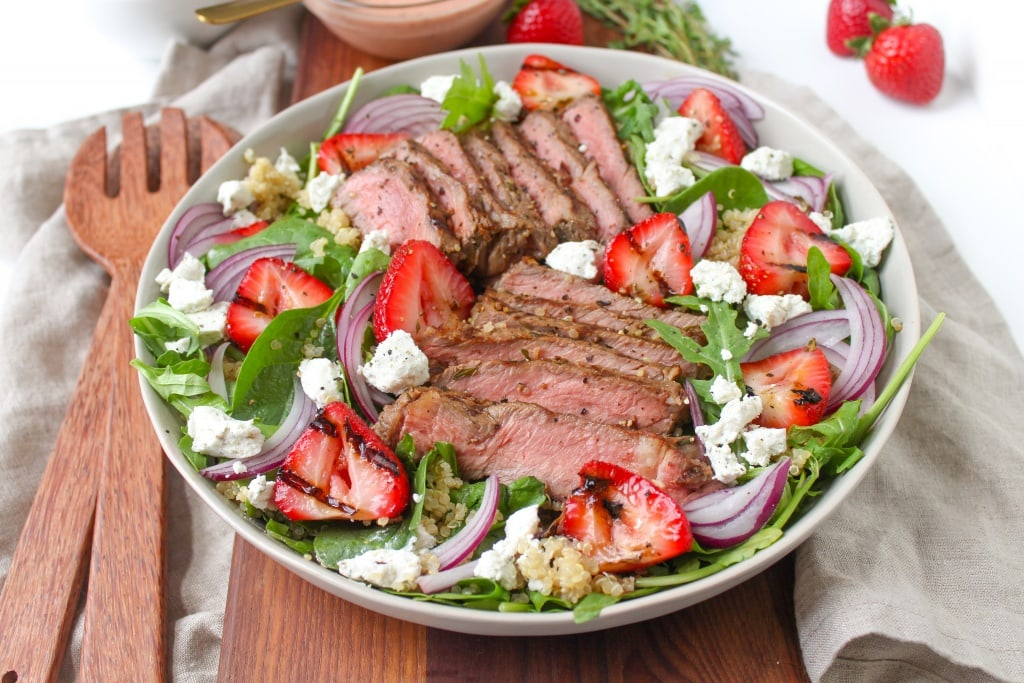 grilled steak and strawberry salad recipe