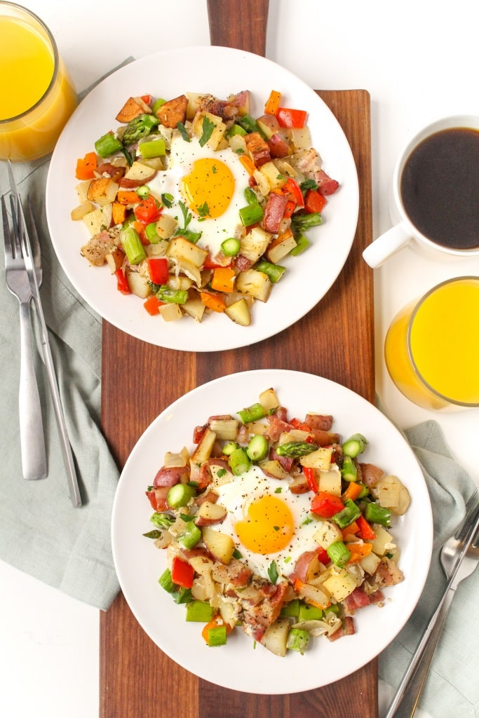 sheet pan breakfast hash recipe with veggies bacon