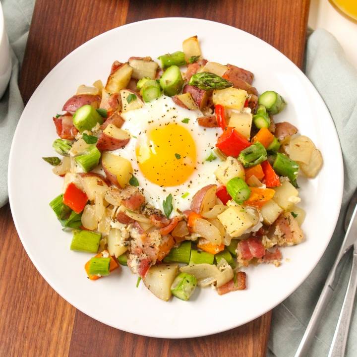 veggie and bacon sheet pan breakfast hash