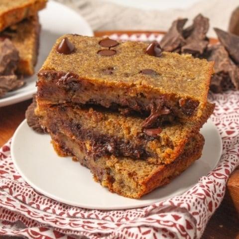 Gluten-Free Dark Chocolate Quinoa Bars