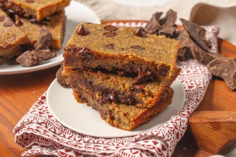 dark chocolate quinoa bars