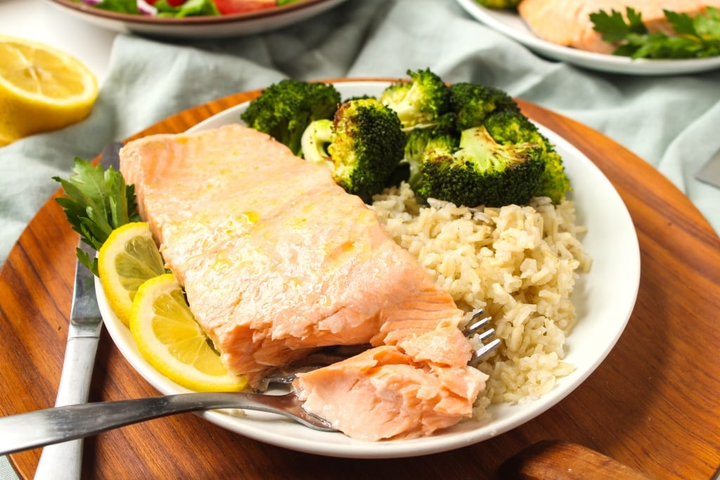 how to make juicy salmon for dinner