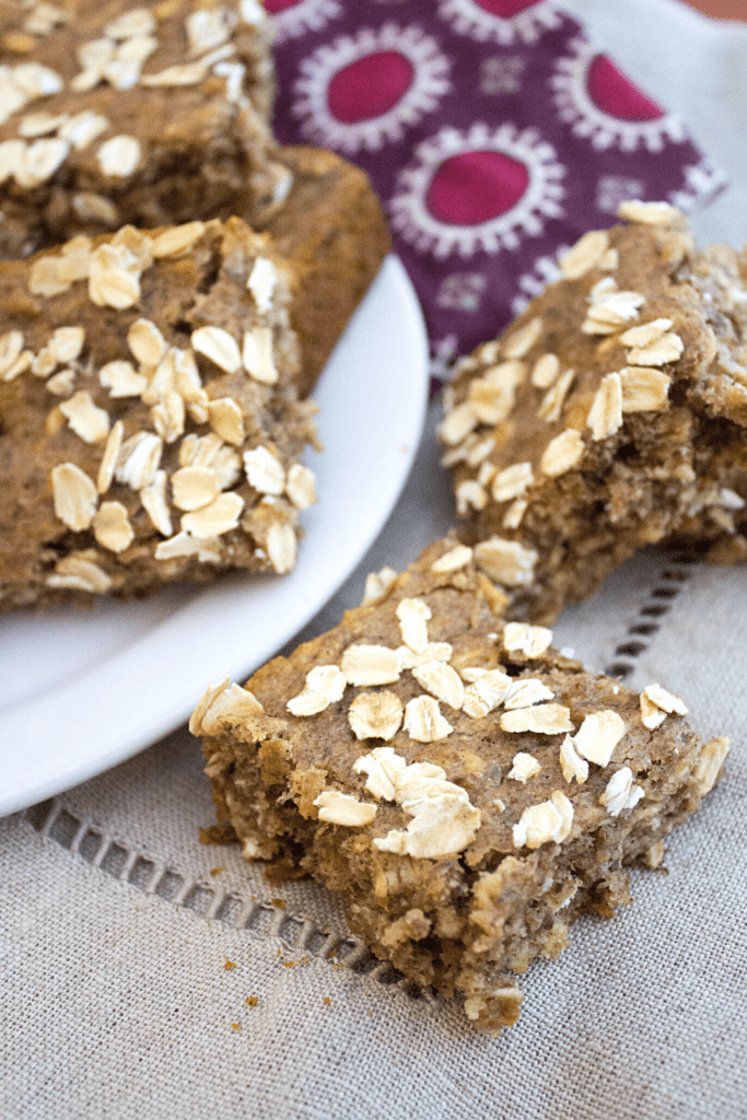 vegan breakfast bars with almond butter, oats, and banana