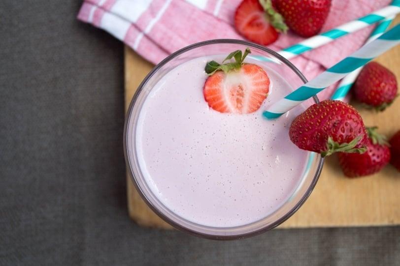 Homemade Strawberry Cashew Milk